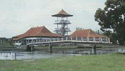Pariwisata Riatechnomatic Jembatan Ampera Sebuah Megah Sepanjang 1 177 Meter