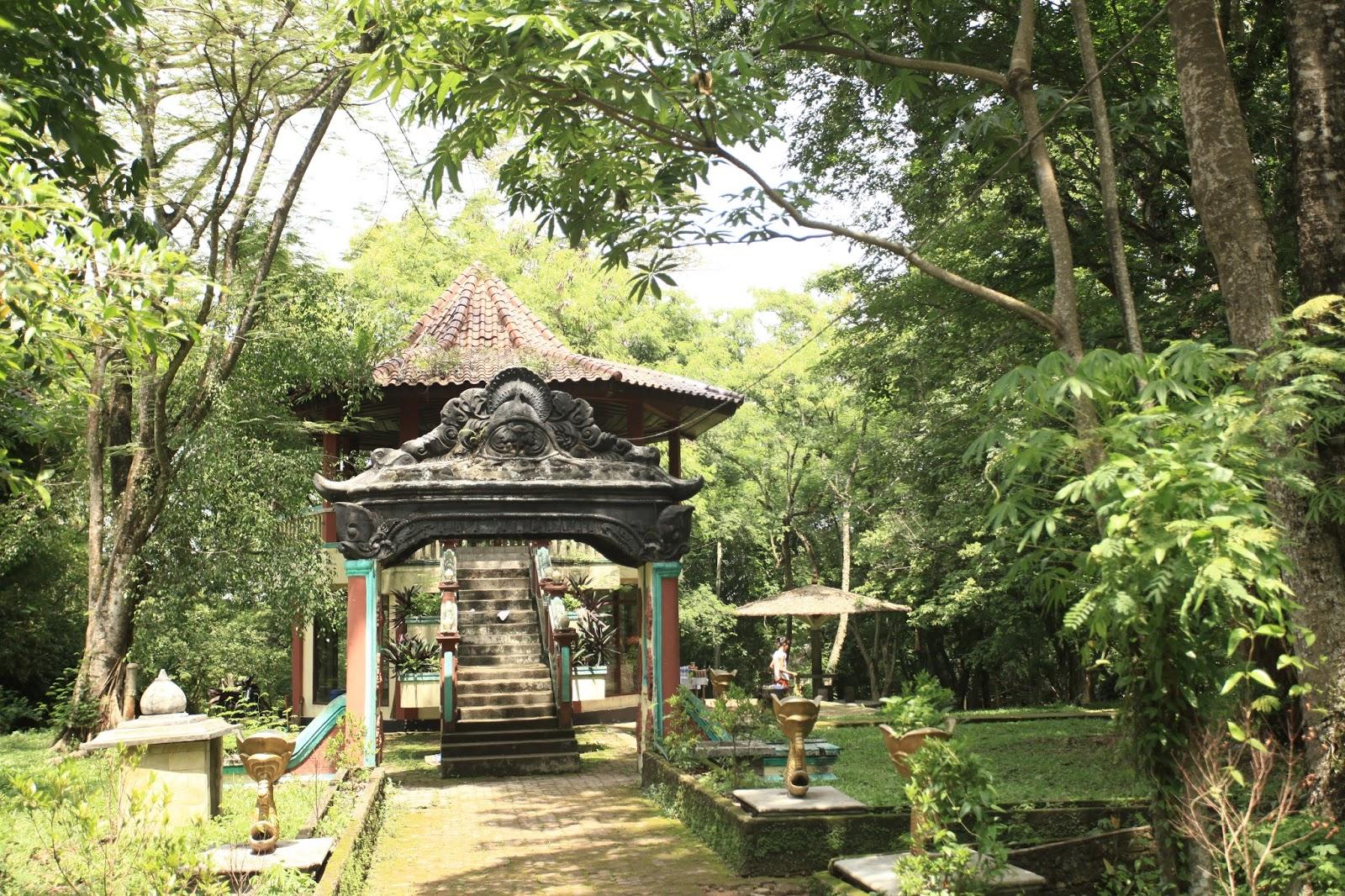 Taman Purbakala Kerajaan Sriwijaya Bukit Siguntang Kota Palembang