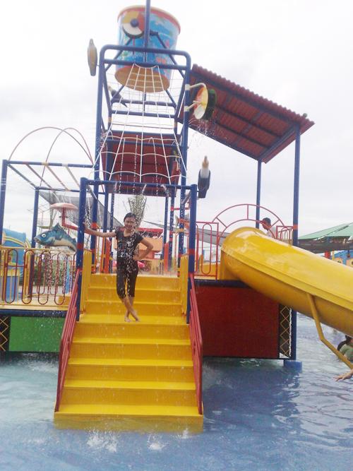 Chivo Carol Opi Water Fun Famz Holiday Jakabaring Palembang Waterboom
