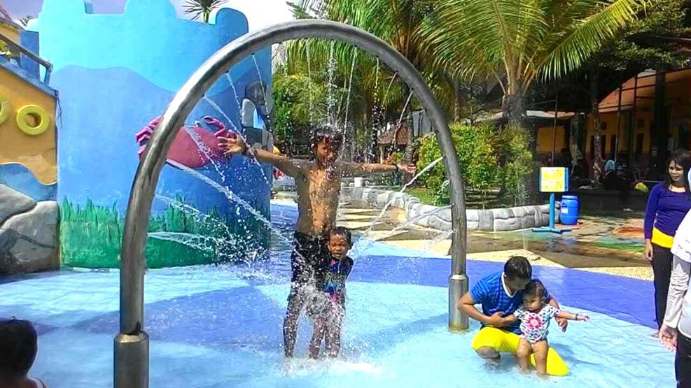 Opi Water Fun Diskon 30 Suara Nusantara Salah Satu Wahana