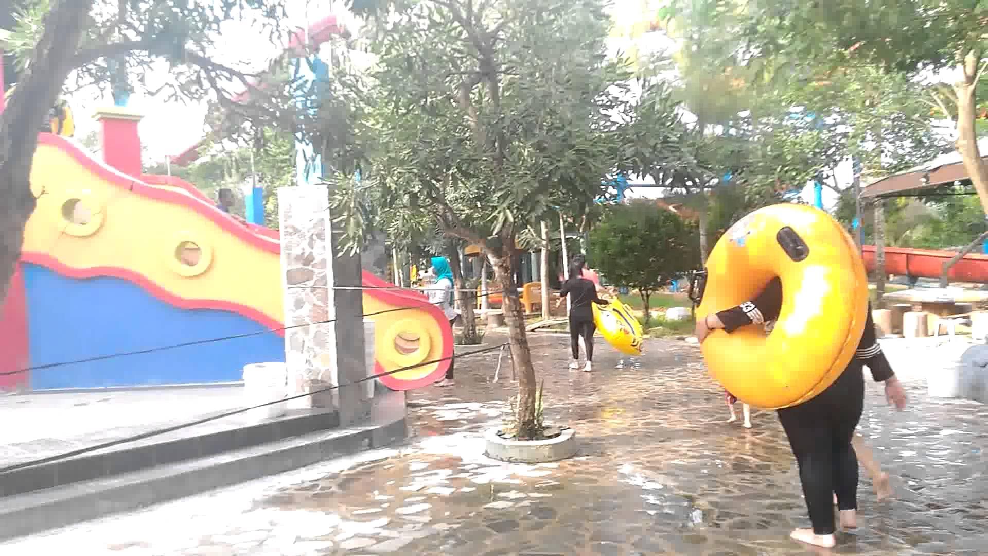Opi Water Fun Palembang Youtube Waterboom Jakabaring Kota