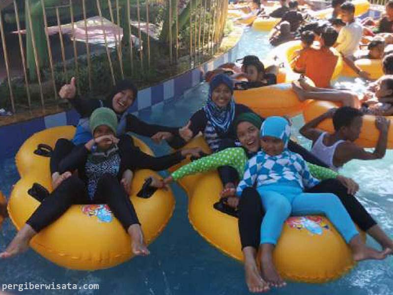 Rekreasi Air Bersama Keluarga Opi Water Fun Palembang Senang Waterboom