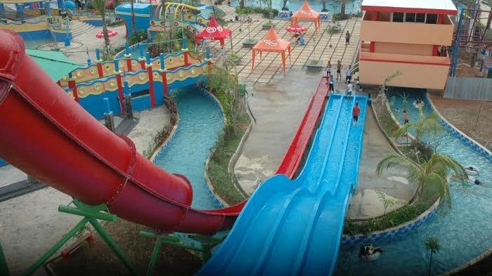 Seru Seruan Main Air Seluncur Bersama Anak Opi Water Fun