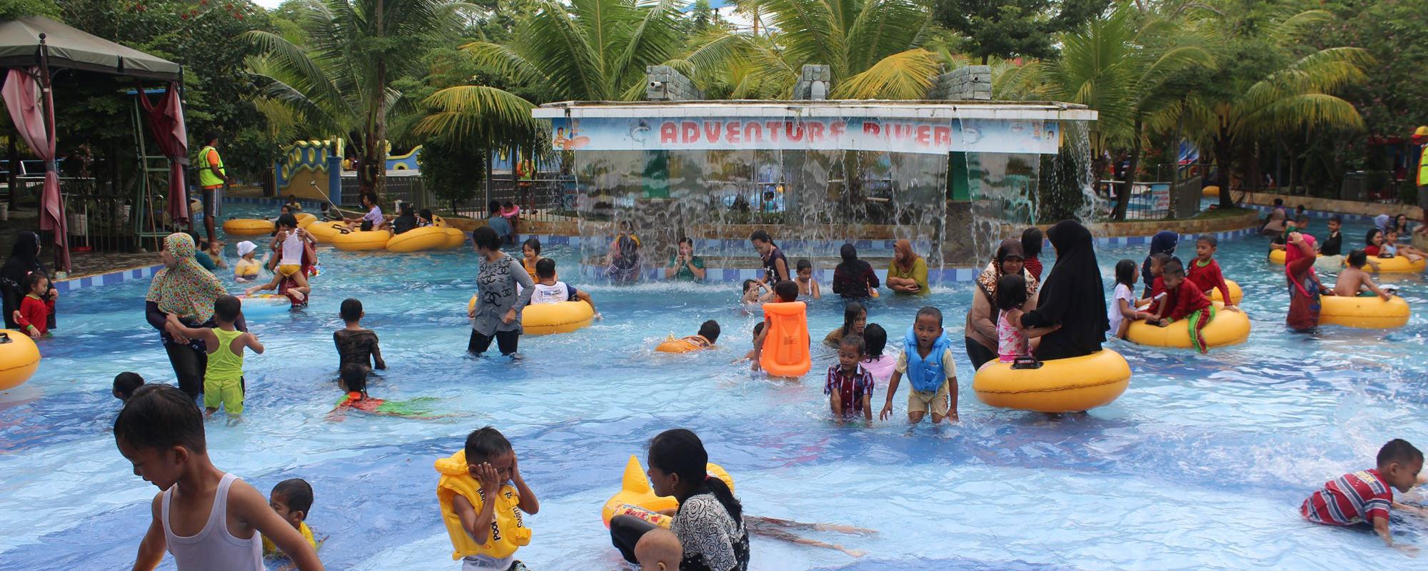 Suasana Hut Ri Opi Water Fun Pilihan Tepat 2015 Reserved
