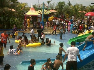 Water Fun Opi Jakabaring Diserbu Pengunjung Sriwijaya Post Water1 Jpg