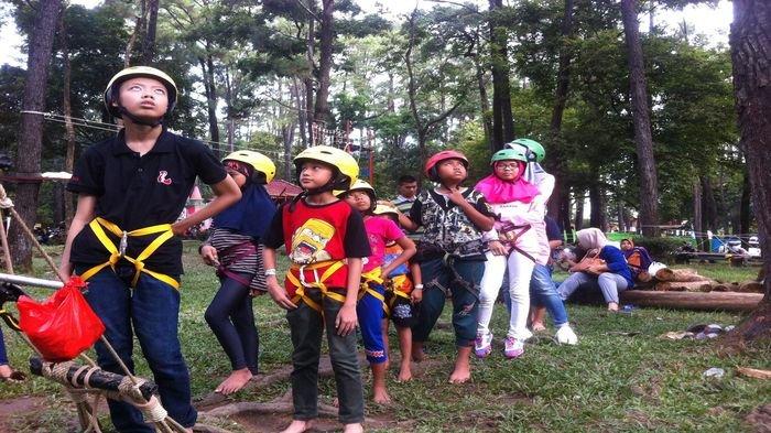 Libur Akhir Taman Wisata Hutan Punti Kayu Ramai Dikunjungi Warga