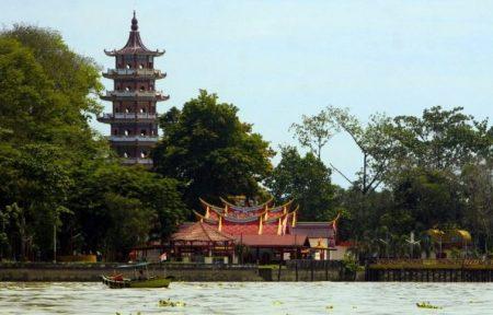 20 Tempat Wisata Palembang Populer Tanahair Keluarga Kembang Iwak Family