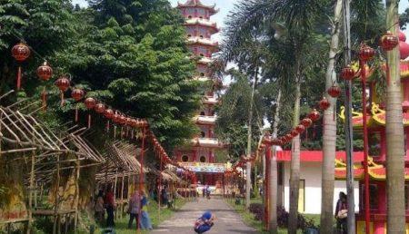 20 Tempat Wisata Palembang Populer Tanahair Pulau Kemaro Keluarga Kembang
