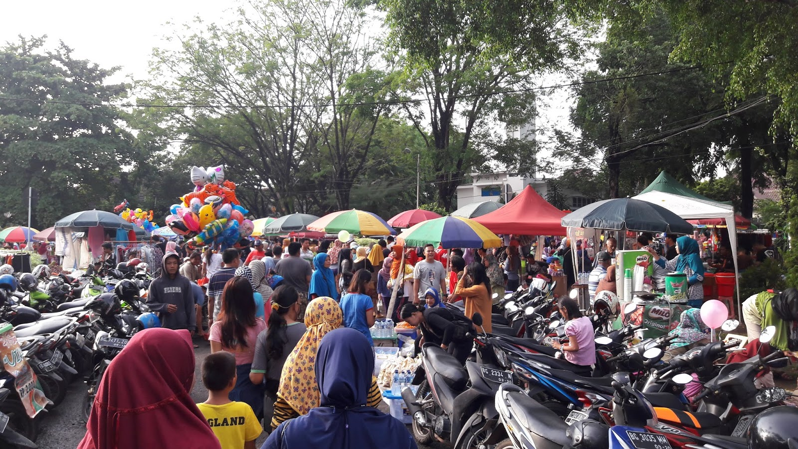 Digital Paper Car Free Day Minggu Pagi Kambang Iwak Family