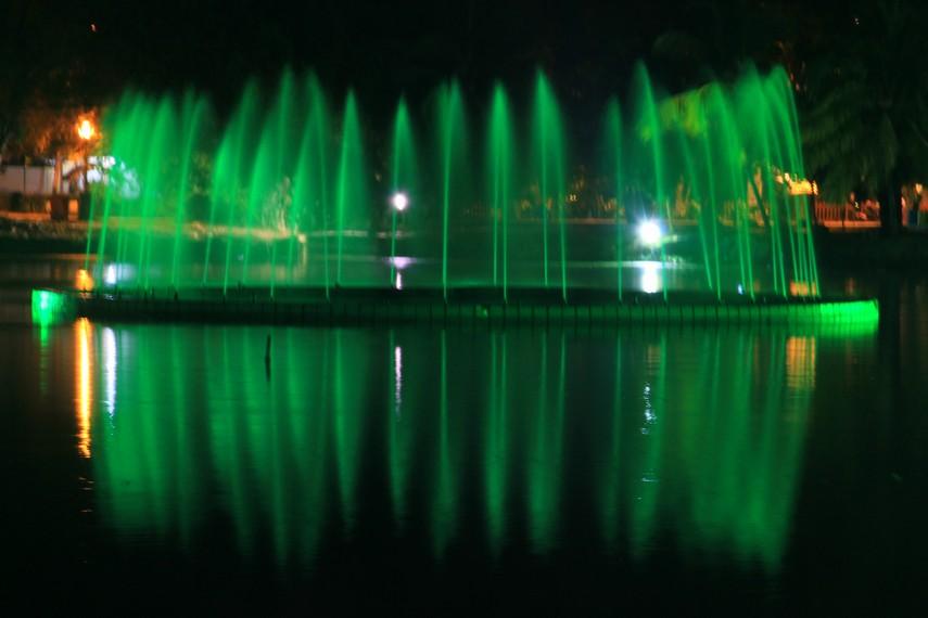 Taman Kambang Iwak Besak Wisata Murah Meriah Palembang Lihat Id
