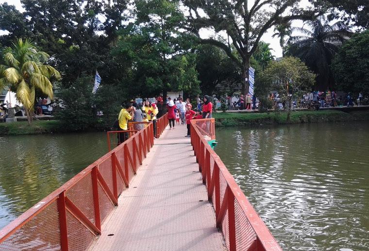 Taman Kambang Iwak Yuk Piknik Wisata Keluarga Kembang Family Park