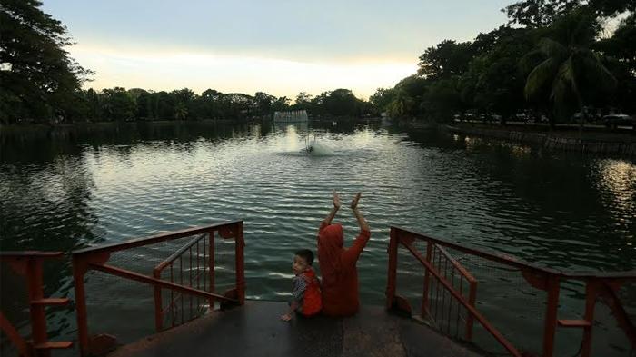 Taman Wisata Kambang Iwak Pusat Rekreasi Gratis Palembang Siluet Senja