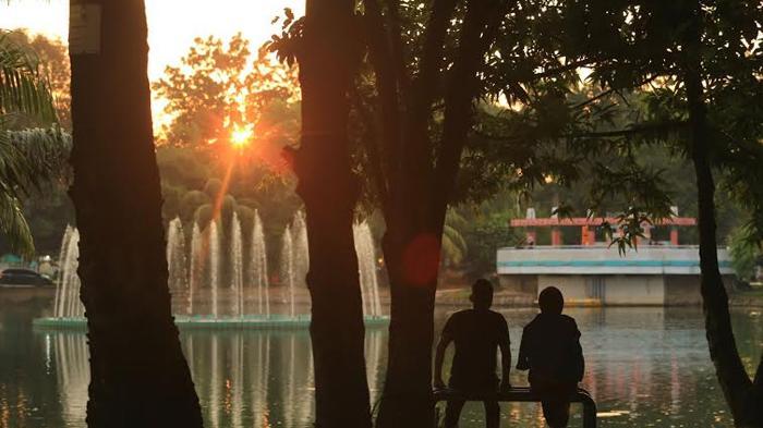 Taman Wisata Kambang Iwak Pusat Rekreasi Gratis Palembang Warga Santai