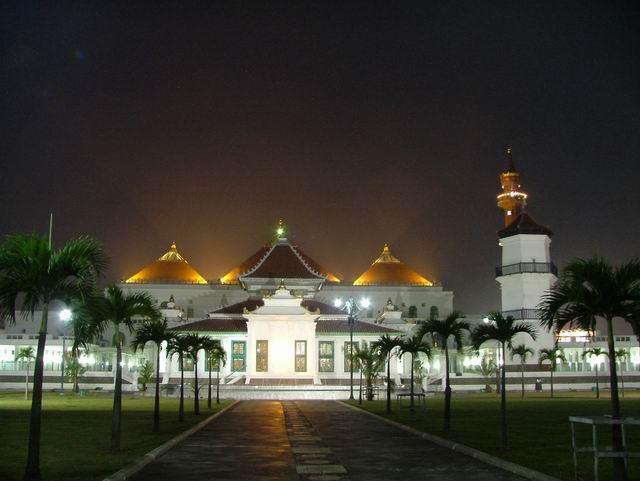 Tempat Wisata Palembang Keluarga Kembang Iwak Family Park Kota
