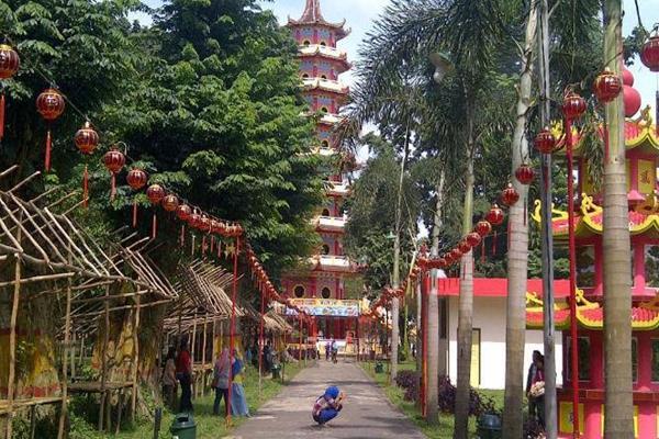 Cap Meh Pulau Kemaro Legenda Cinta Pangeran China Siti Fatimah