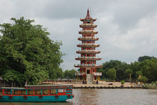 Kisah Cinta Putri Pangeran Pulau Kemaro Travel Yuk Delta Sungai