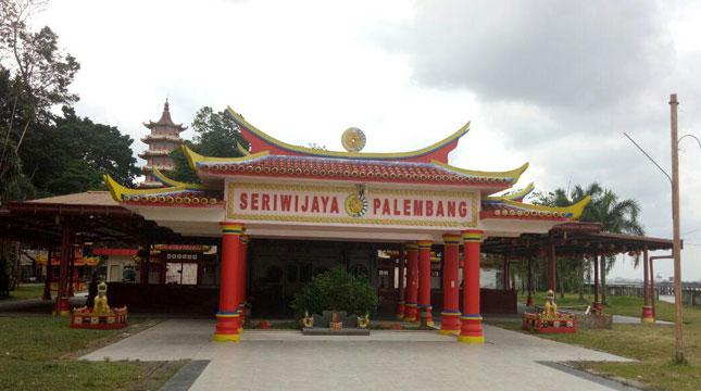 Menelusuri Sungai Musi Pulau Kemaro Kisah Romantisnya Kuil Seriwijaya Palembang