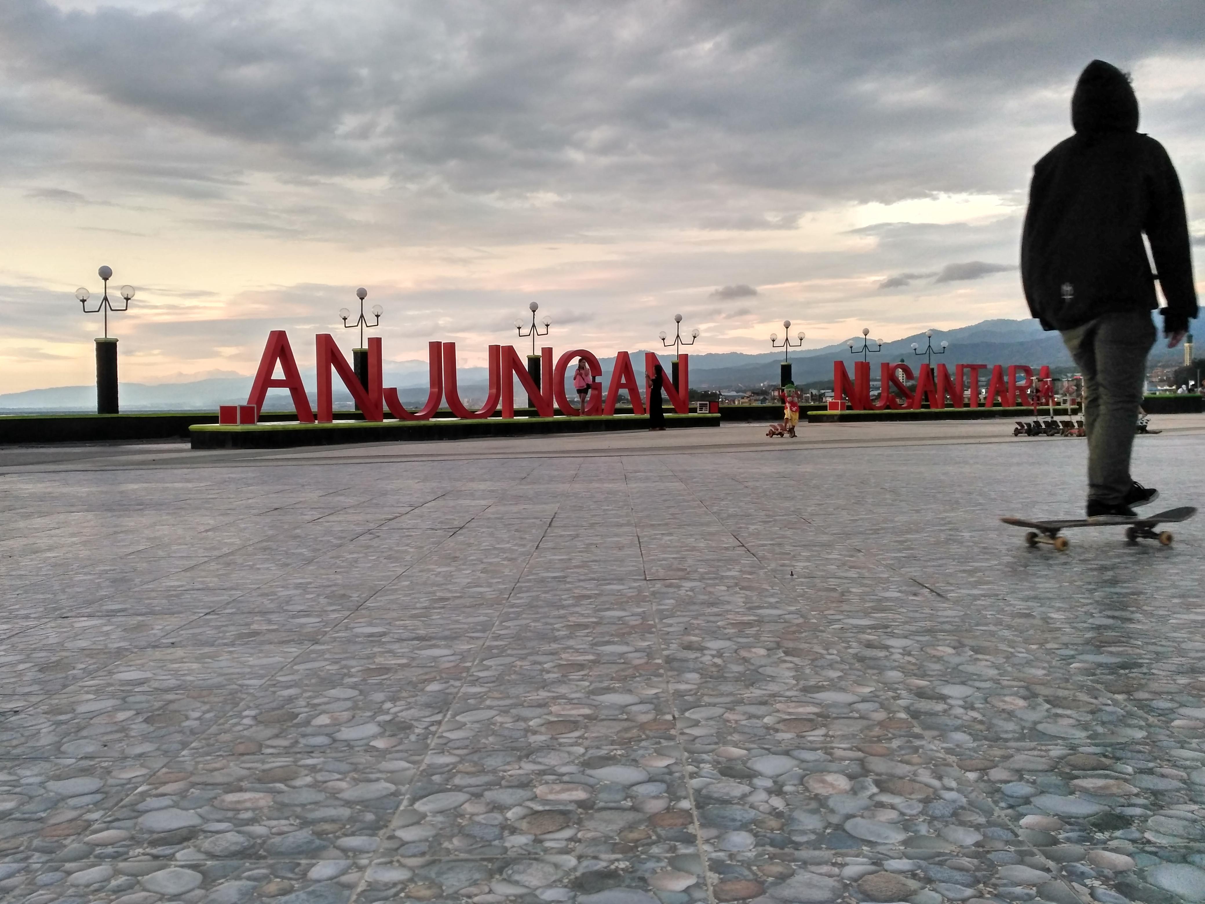 5 Tempat Nongkrong Hits Kota Palu Dipalu Anjungan Nusantara Lokasi