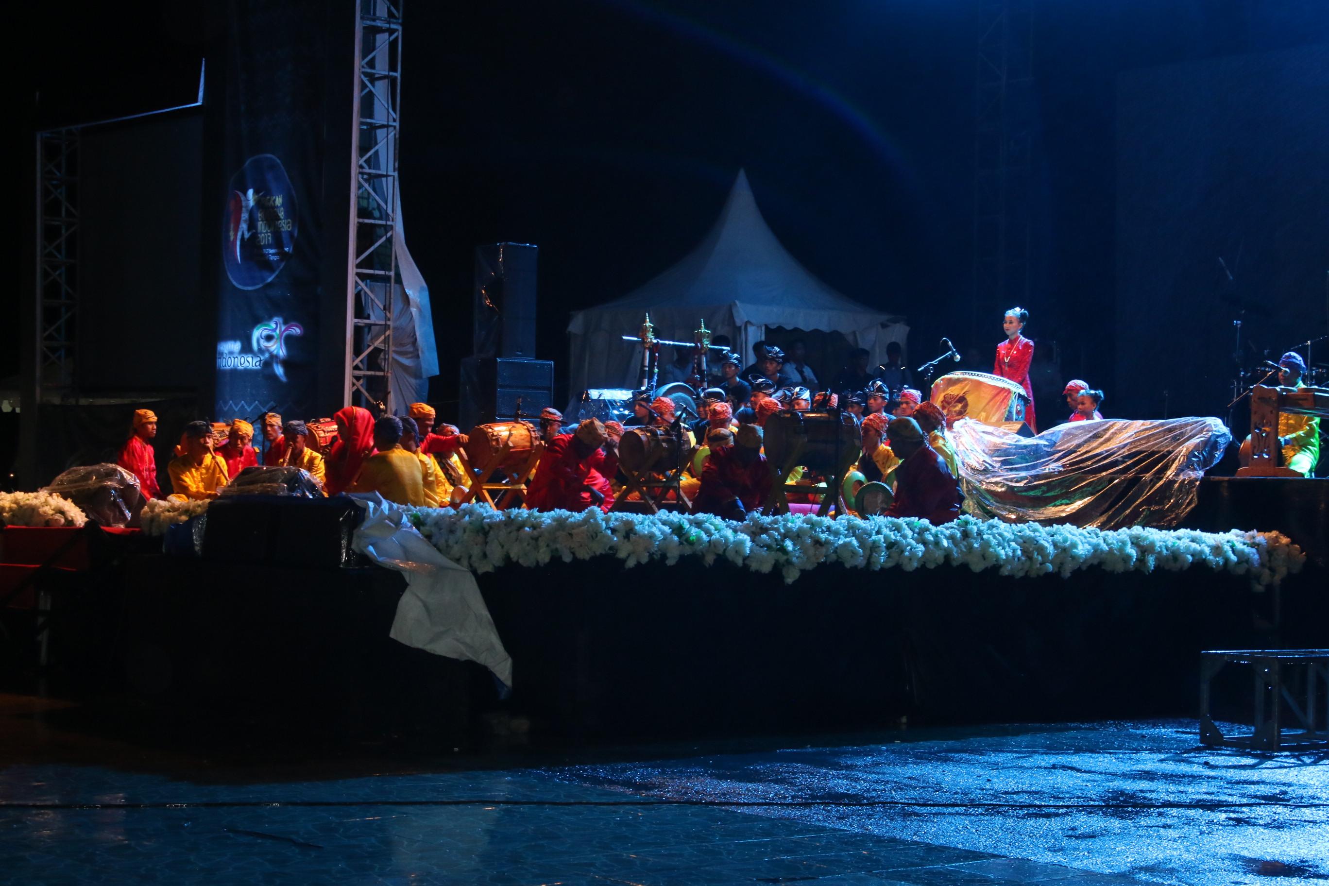 Dua Festival Palu Resmi Digelar Pemerintah Kota Meskipun Hujan Deras