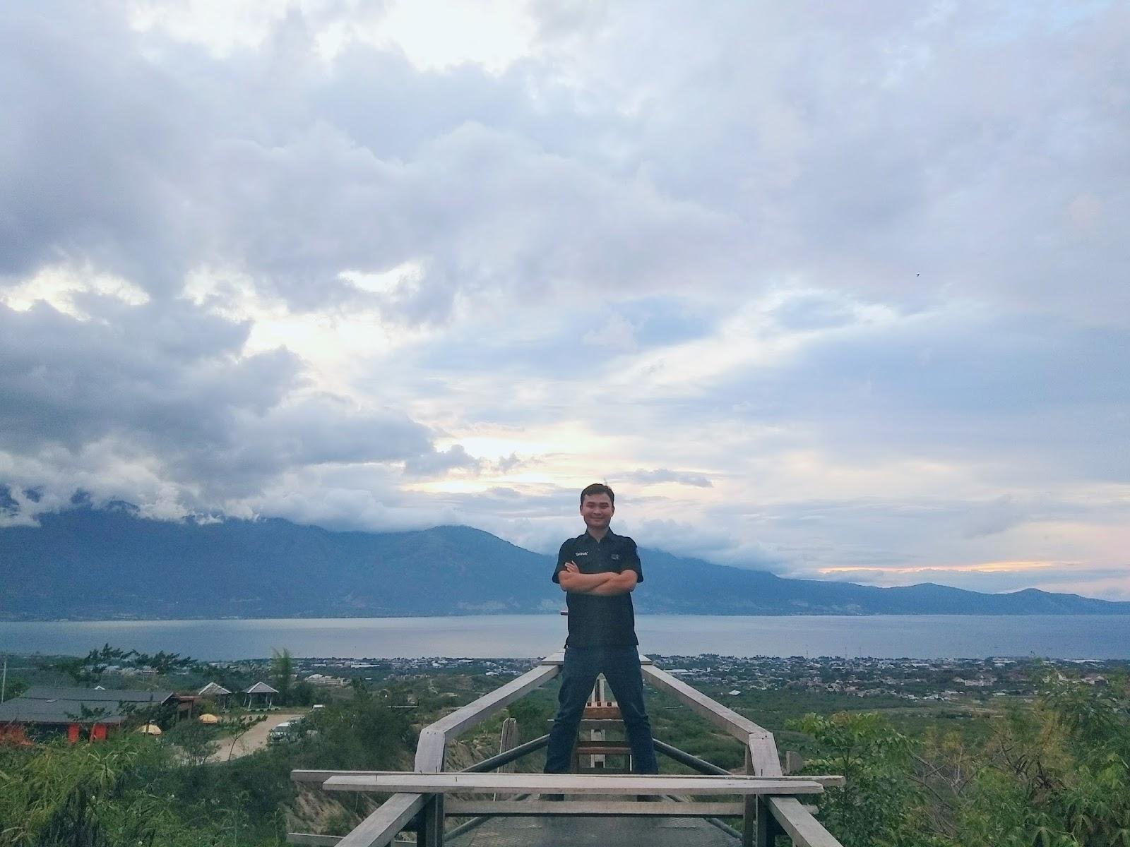 Gong Perdamaian Nusantara Palu Tora Bastem Spot Apik Berfoto Latar