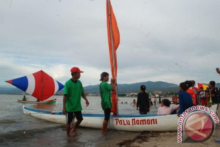 Lomba Perahu Layar Meriahkan Palu Nomoni Antara News Peserta Finish