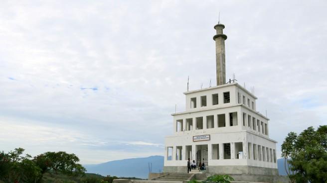 Taman Edukasi Perdamaian Nosarara Nosabatutu Greatnessindonesia Tugu Anjungan Nusantara Kota