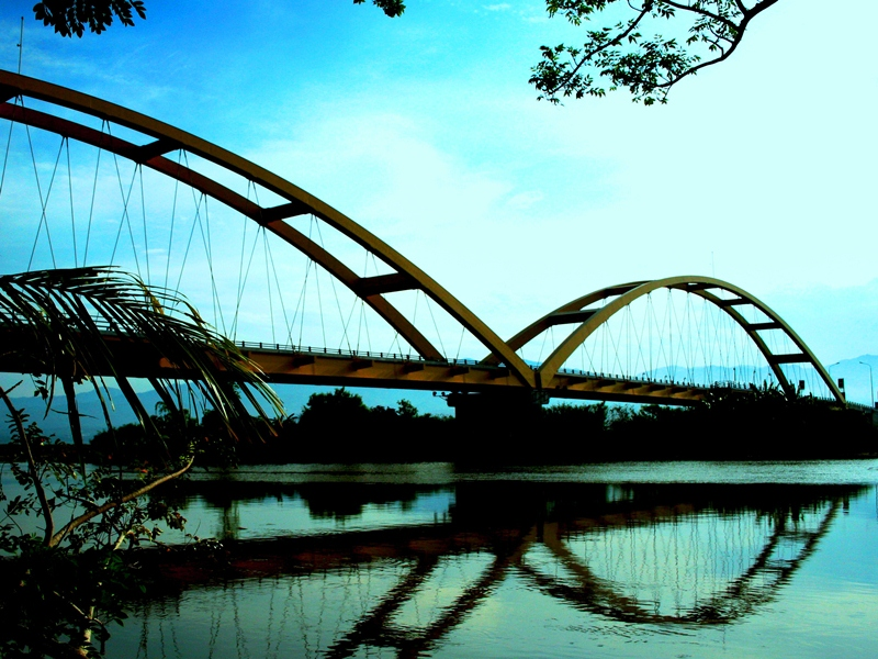 7 Jembatan Unik Indonesia Bagian 2 Palu Iv Kota