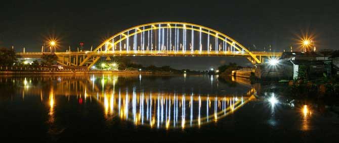 Jembatan Teluk Hal Mengagumkan Lainnya Indahnya Pertunjukan Lampu Bersinar Ketika