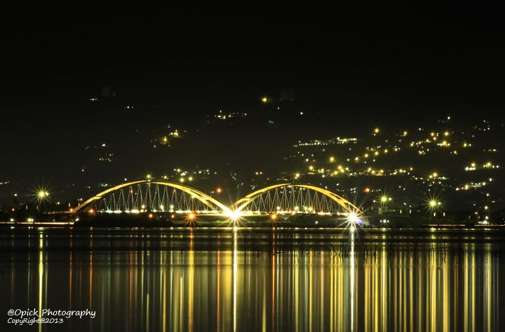 Lens Arch Galeri Kota Palu Lensaku Jembatan Iv Malam Hari