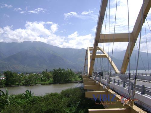 Owchien Jembatan Teluk Palu Obyek Wisata Kota Alamnya Terkenal Memiliki