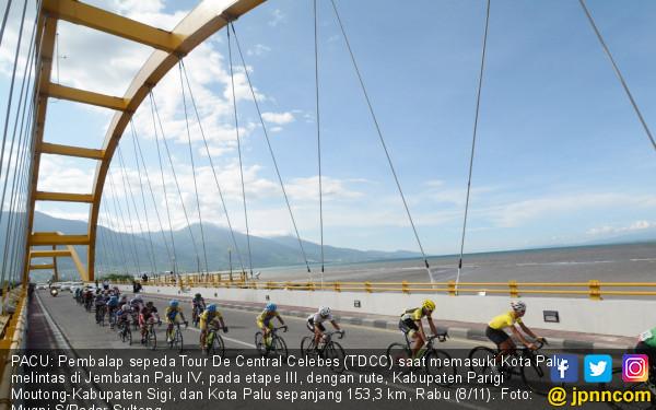 Pembalap Tour De Central Celebes Masuki Kota Palu Jpnn Foto