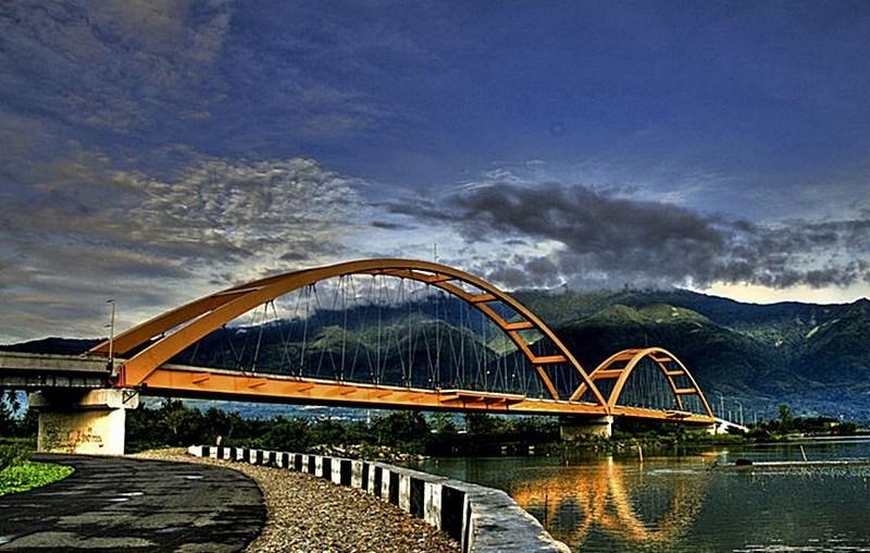 Pesona Wisata Palu Jembatan Lengkung Jpg Iv Kota