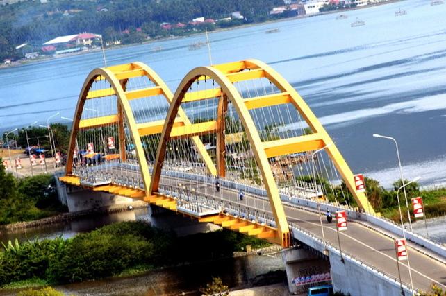 Tilt Jembatan Kuning Ponulele Palu Free Images Clker Image Iv