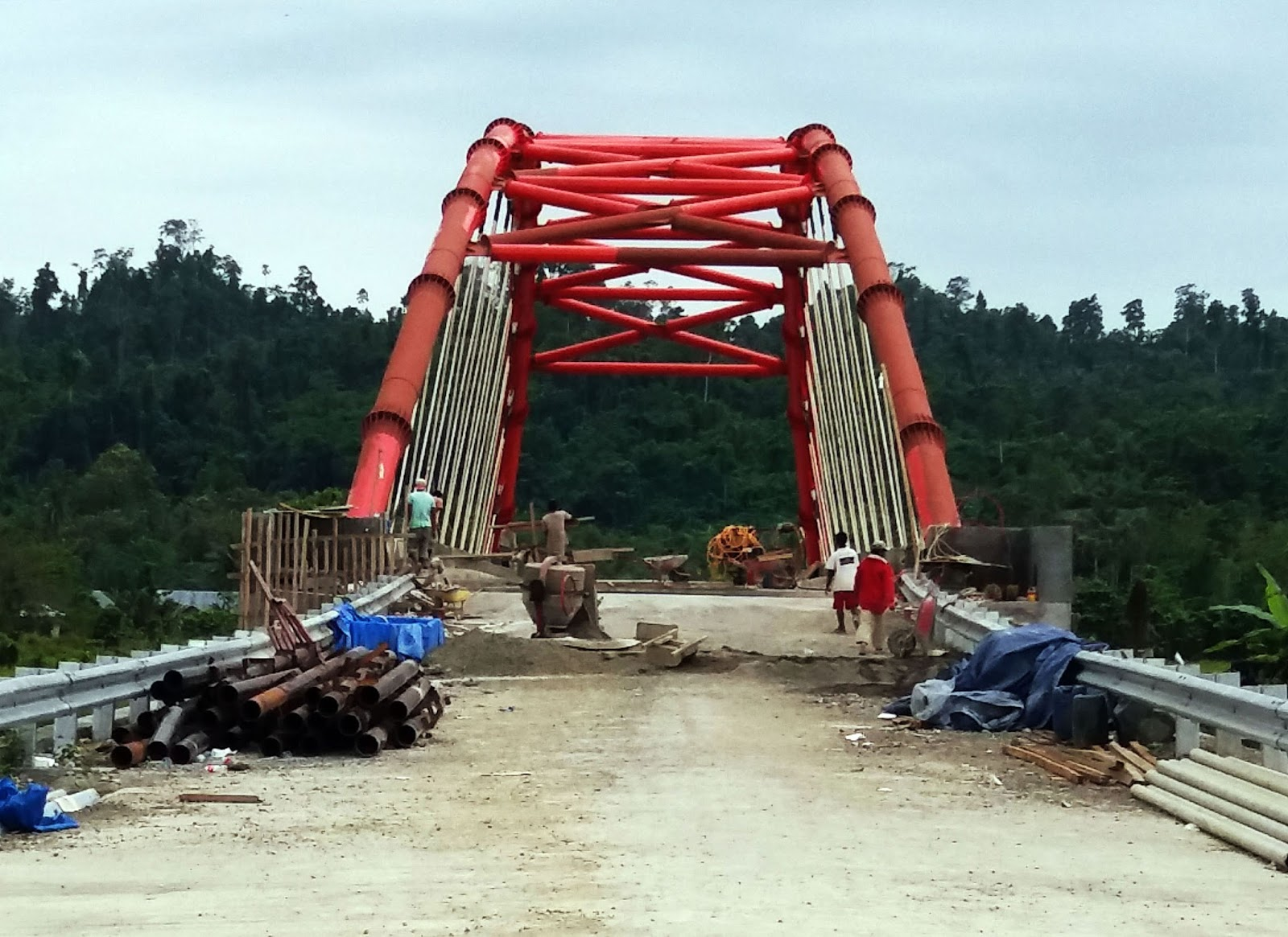 Jembatan Merah Salunggabo Obyek Berselfi Kota Pasangkayu Hampir Rampung Palu