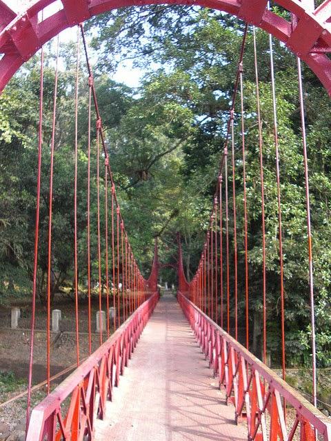 Jembatan Merah Sultan Kebun Raya Bogor Kota Palu