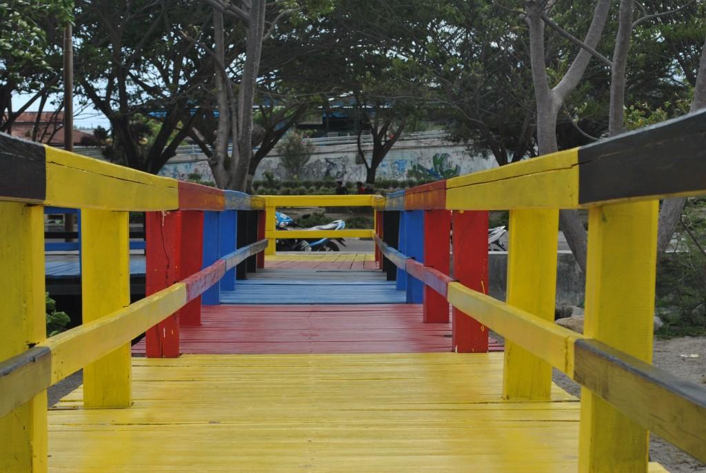Jembatan Warna Palu Galeri Merah Kota