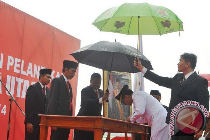 Jokowi Inspeksi Pintu Air Jembatan Merah Antara News Palu Walikota