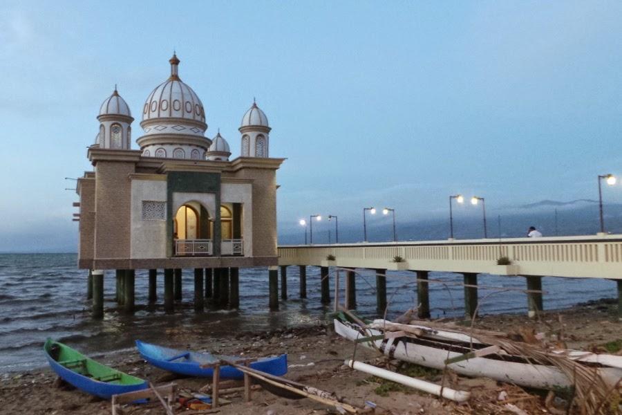 Kisah Masjid Terapung Palu Mengusir Maksiat Ibnu Harasyil Apung Kota