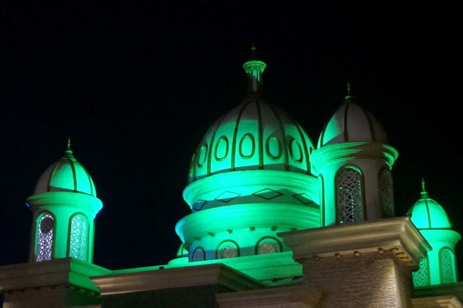Kisah Masjid Terapung Palu Mengusir Maksiat Ibnu Harasyil Keunikan Arkam