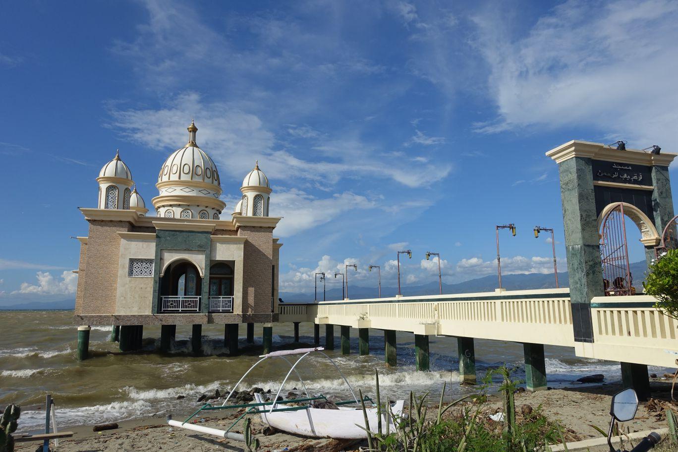 Masjid Apung Palu Sulawesi Tengah Media Pomosi Tempat Wisata Berada