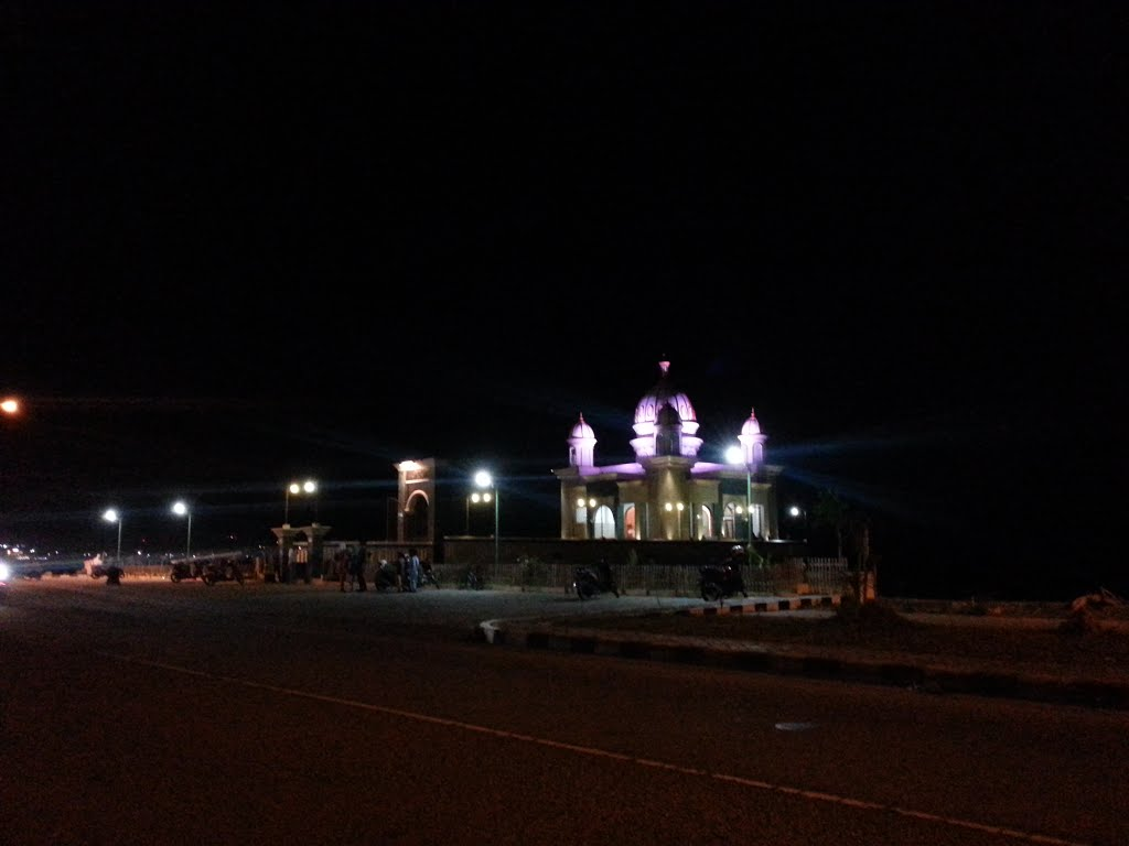 Masjid Apung Taman Ria Kota Palu Indonesia