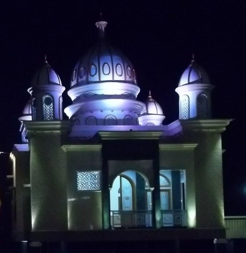 Masjid Ar Rahman Terapung Pantai Talise Taman Ria Palu Apung