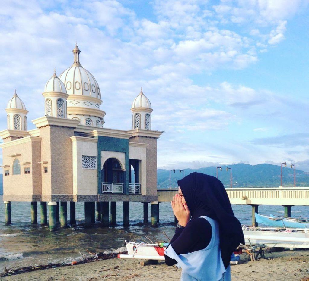 Masjid Indonesia Jadi Tempat Wisata Traveling Yuk Terapung Palu Apung