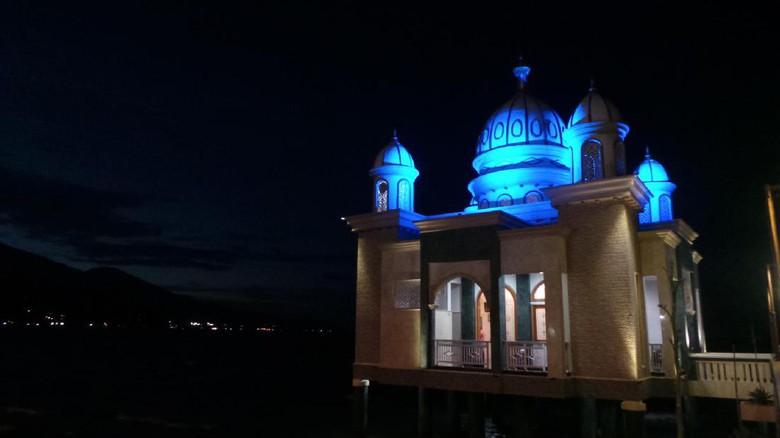 Masjid Terapung Kubah 7 Cahaya Palu Afif Detiktravel Apung Kota