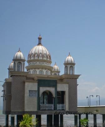 Masjid Terapung Palu Cerita Astri Apung Kota