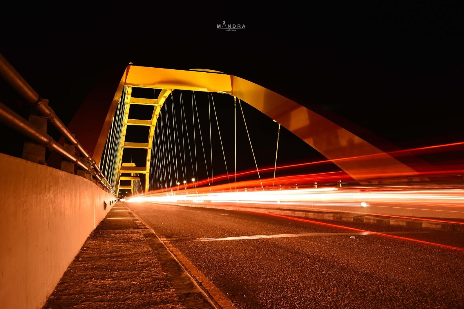 Romantika Sore Kota Palu Mandra Pahlawa Jembatan Iv Malam Hari