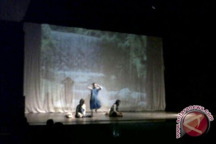 Siswa Sman 1 Palu Tunjukan Bakat Pangung Teater Antara News