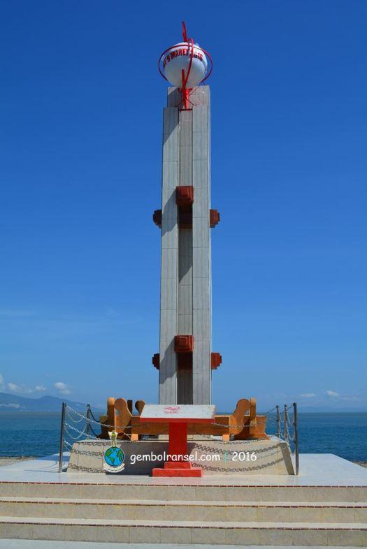 Berburu Gerhana Matahari Total Teluk Palu Gembol Ransel Monumen Gmt