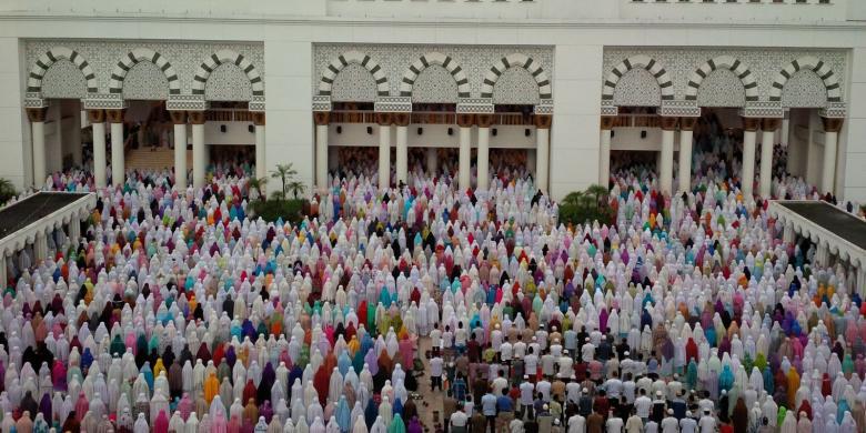 Kehebohan Masyarakat Indonesia Sambut Gerhana Matahari Total Halaman Warga Melaksanakan