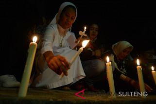 Ngabuburit Tugu Gerhana Matahari Antara News Palu Sulawesi Solidaritas Kemanusiaan